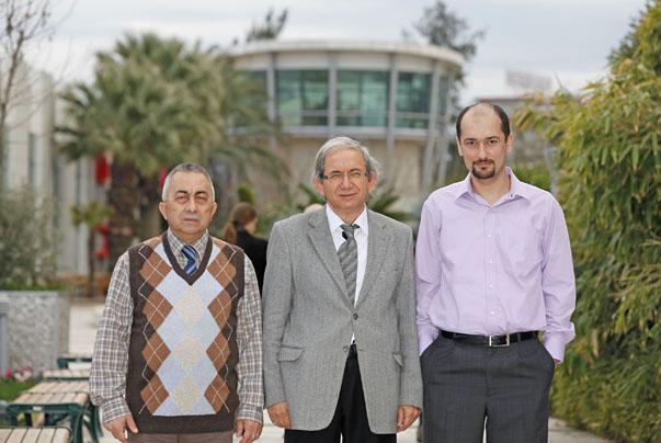 Her iki projeyi  Enerij Sistemleri Mühendisliği Bölümü Başkanı Prof.Dr. Arif Hepbaşlı, Öğretim Üyesi Yard.Doç.Dr. İlker Gürkan ve Öğretim Üyesi Yard.Doç.Dr.Emrah Bıyık ekip olarak yürütecek