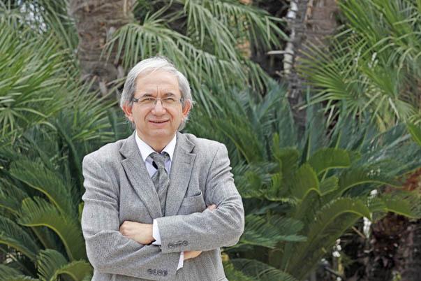 Prof. Dr. Arif  Hepbaşlı-Yaşar Üniversitesi Enerji Sistemleri Mühendisliği Bölümü Başkanı