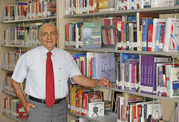 Prof. Dr. Ali Rıza Karacan-Yaşar Üniversitesi Öğretim Üyesi