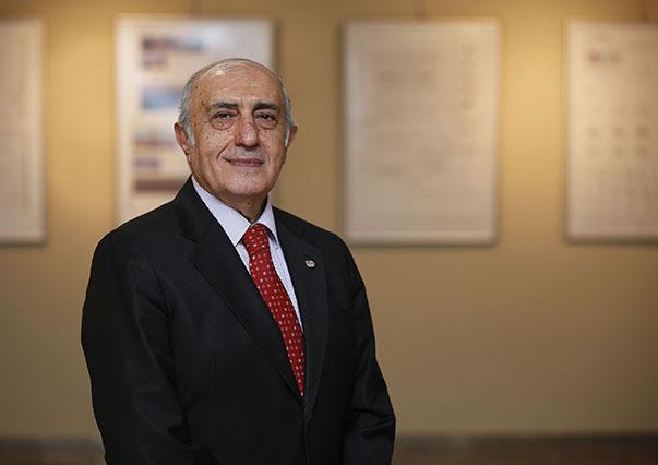 Prof. Dr. Ali Rıza Karacan-Yaşar Üniversitesi  MYO Elektrik ve Enerji Bölümü Başkanı