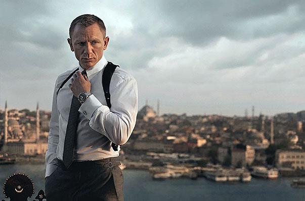 """Türkiye, kültür zenginlikleri, tarihi ve doğasıyla, dev bütçeli, ünlü isimlerin rol aldığı Hollywood filmlerinin de platosu haline geldi.  Dünyaca ünlü  """"Skyfall"""" filminin İstanbul'da çekilen sahneleri hafızalardaki yerini koruyor."""