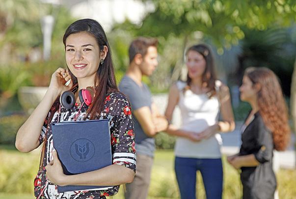 Yaşar Üniversitesi, ÖSYM verilerine göre, Türkiye'de yüzde 100 yerleştirme oranı ve  bin 460 yeni öğrencisiyle en çok tercih edilen vakıf üniversitesi oldu.