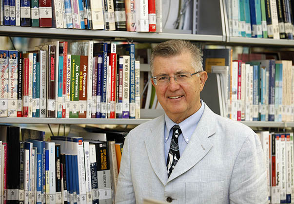 Yaşar Üniversitesi Uluslararası Lojistik Yönetimi Bölüm Başkanı Prof. Dr. Ömer Baybars Tek