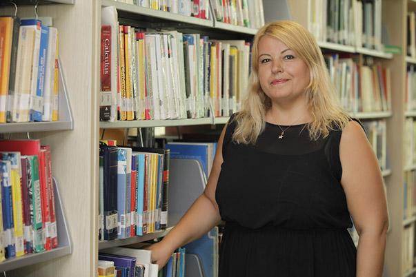 Yaşar Üniversitesi Bligi Merkezi Müdürü Gülsevil Ağca