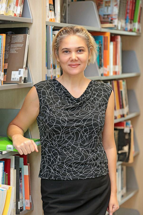 Doç. Dr. Serra İnci Çelebi -Yaşar Üniversitesi İletişim Fakültesi Öğretim Üyesi