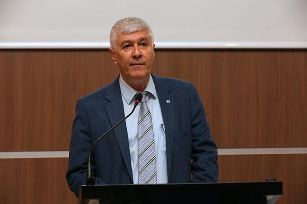 Yaşar Üniversitesi İletişim Fakültesi Dekanı Prof. Dr. Ümit Atabek