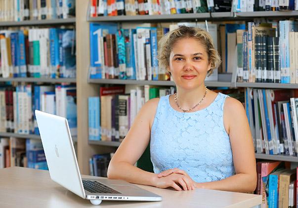Yaşar Üniversitesi Halkla İlişkiler ve Reklamcılık Bölümü Öğretim Üyesi Doç. Dr. Serra İnci Çelebi, Türkiye'nin en büyük ilk 500 şirketi içinde yer alan 100 şirketin web sitesini inceledi.