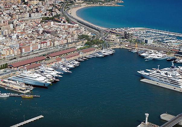 Süper yatlar için bir üs olarak gösterilen ünlü marinalardan İspanya'daki Tarraco Marina.
