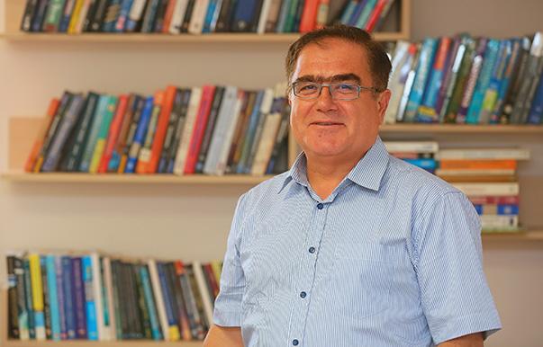 Yaşar Üniversitesi Ekonomi Bölümü Başkanı Prof. Dr. Durmuş Özdemir
