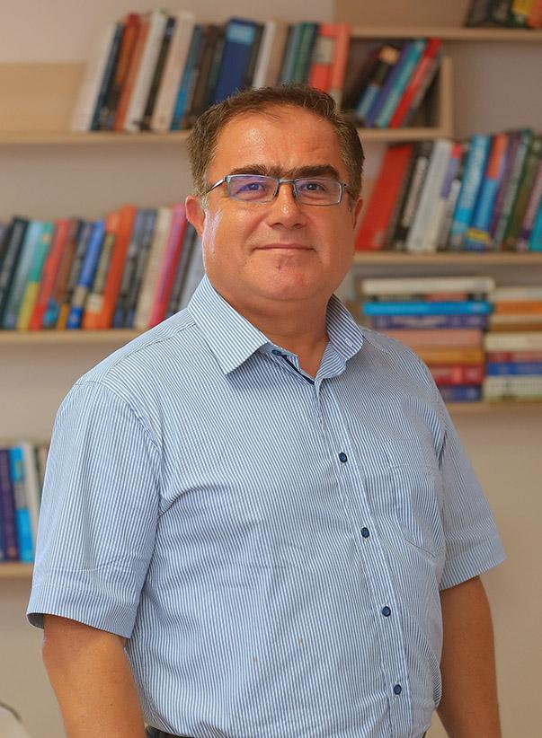 Yaşar Üniversitesi İktisadi ve İdari Bilimler Fakültesi Ekonomi Bölümü Başkanı Prof. Dr. Durmuş Özdemir