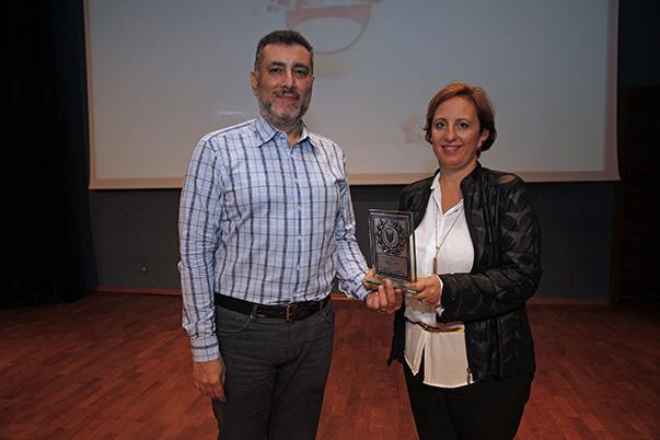 Kırmızı Ödülleri Koordinatörü Gürül Öğüt- Yaşar Üniversitesi İletişim Fakültesi Halkla İlişkiler ve Reklamcılık Bölümü Başkanı Doç.Dr.Ferah Onat