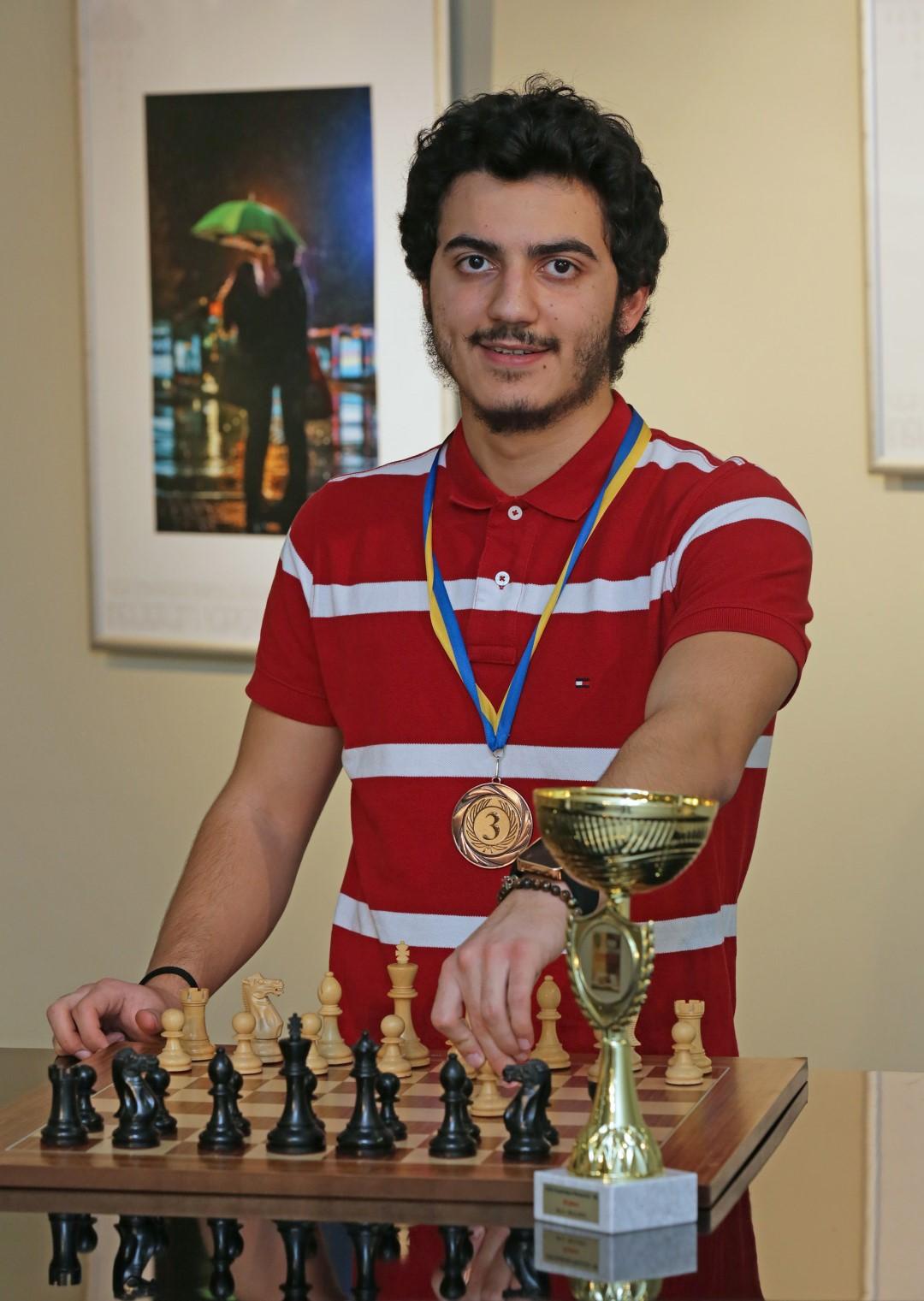 Yaşarlı Melih Yurtseven, bugünlerde, Antalya Manavgat'ta Türkiye Satranç Federasyonu tarafından düzenlenen Türkiye Kupası'nda mücadele ediyor.