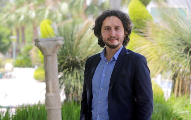 Yaşar Üniversitesi Uluslararası İlişkiler Bölümü Öğretim Üyesi Yrd. Doç. Dr. Gökay Özerim tarafından göç ve göçmenlik konusunda hazırlanan ders içeriği projesi, Avrupa Komisyonu Jean Monnet Programı kapsamında destek kazanan Türkiye'deki 5 projeden biri oldu.