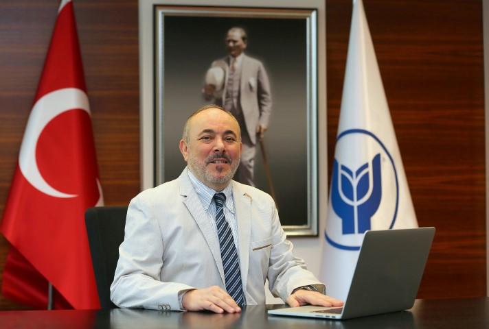 Yaşar Üniversitesi Rektörü Prof. Dr. Cemali Dinçer