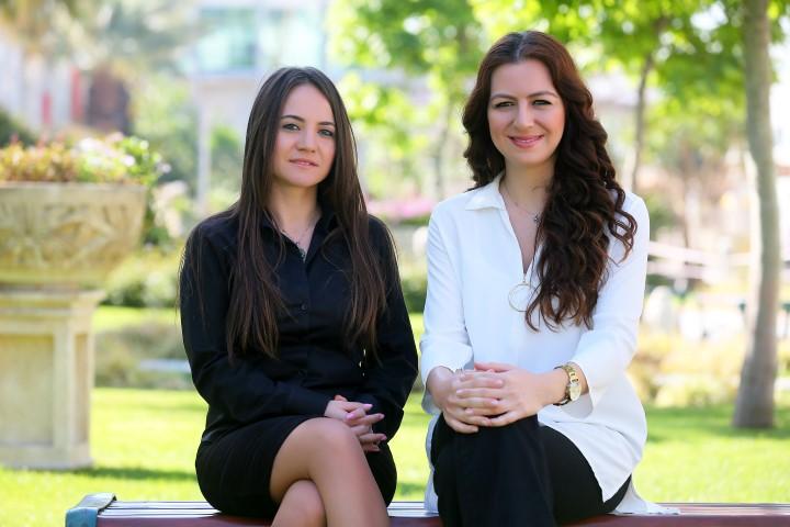 Yaşar Üniversitesi Uluslararası Lojistik Yönetimi Bölümü öğretim görevlileri Dr. Pervin Ersoy ve Dr. Gülmüş Börühan
