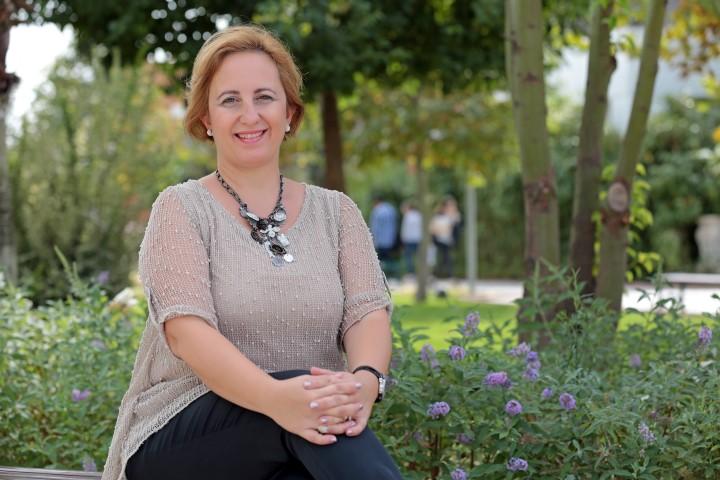 Yaşar Üniversitesi İletişim Fakültesi Öğretim Üyesi Doç. Dr. Ferah Onat da toplumun menopoza olan bakış açısını ve sosyal medyada yazılanları inceledi.