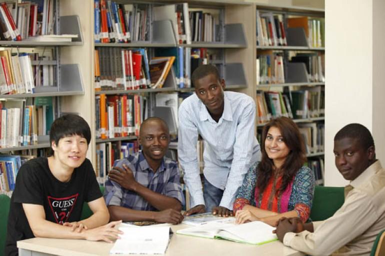 Yaşar, dünya üniversiteleri ile büyüyor