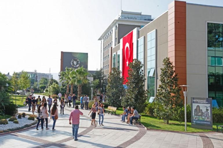 İzmir'in geleceğine yatırım yapıyor