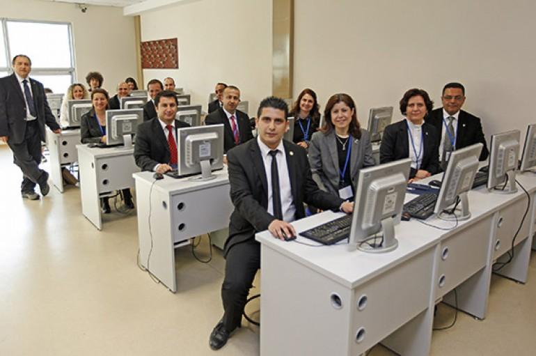 Türkiye'de her üç öğrenciden biri siber zorbalığa uğruyor