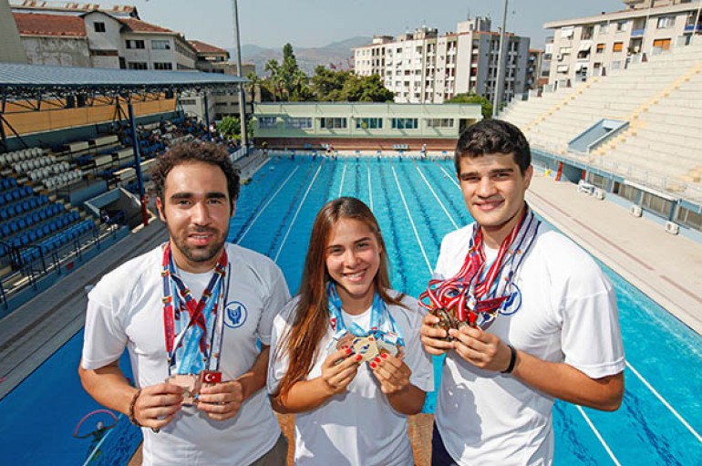 İzmir'in madalya avcıları