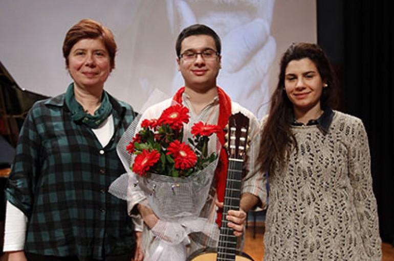 Torun Tuncel'den büyükbaba Tuncel'e konserli anma