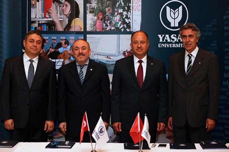 """Yaşar Üniversitesi çıtayı yükseltti: """"Hedef dünyada ilk 500"""""""