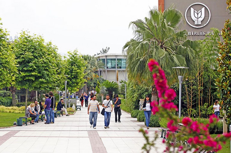 Yaşar Üniversitesi tercihlerde yine zirvede