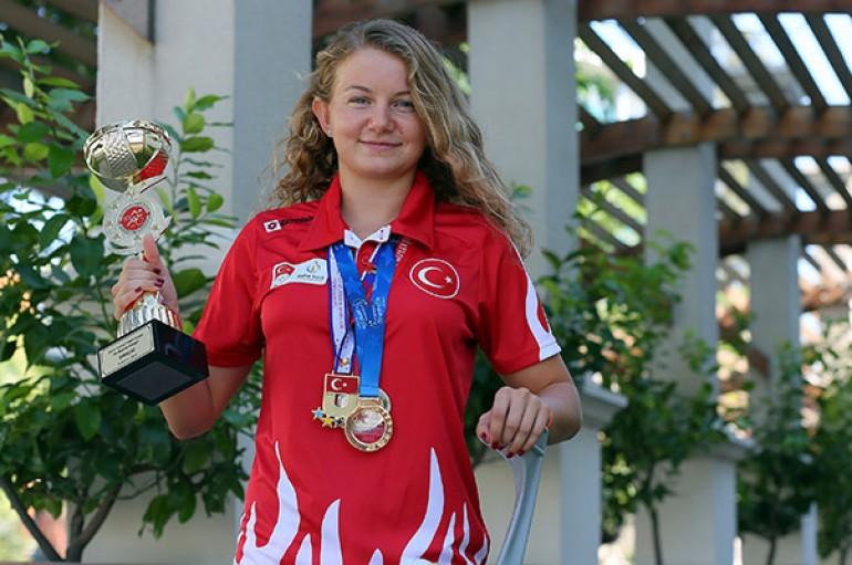 Yaşarlı Ece İzmir'i Türkiye Milli Olimpiyat Komitesi'nde temsil edecek