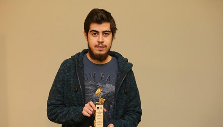 Bir ödül de Yaşar Üniversitesi öğrencisine