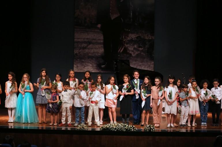 İzmir'in Çok Sesli Çocuk Korosu Kuruluyor