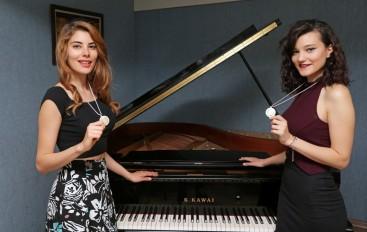 Genç piyanistler İtalya'da dünya 2'incisi oldu