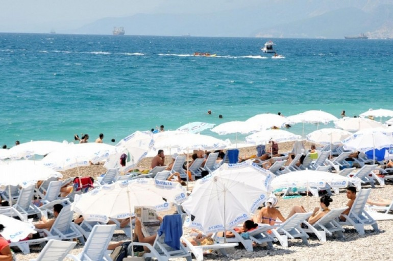 """(Turkish) Doç. Dr. Gökçe Özdemir: """"Rus turistler 1 yıldan önce gelmez"""""""