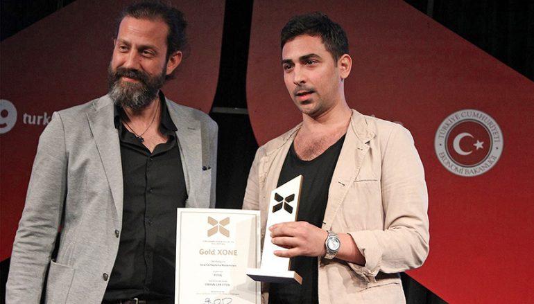 Yaşarlı tasarımcıya 4 ödül
