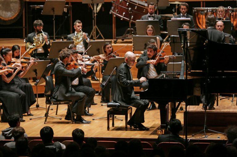 (Turkish) Yaşar Oda Orkestrası büyüledi