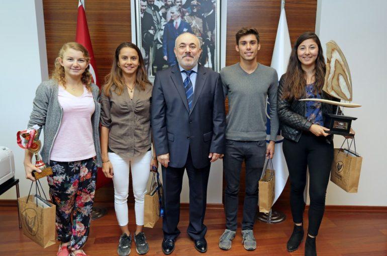Yaşar'da hedef yeni şampiyonluklar