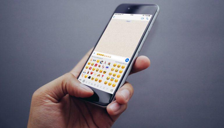 Emojis replace words