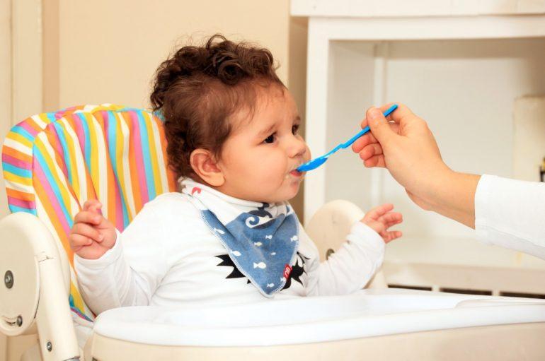 (Turkish) 5 bebekten 1'i yetersiz besleniyor