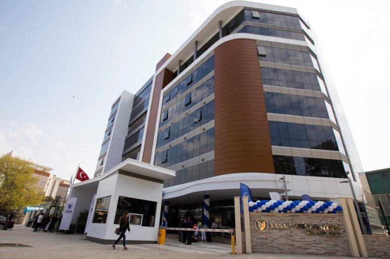 Yaşar Üniversitesi'nde 16. yıl gururu