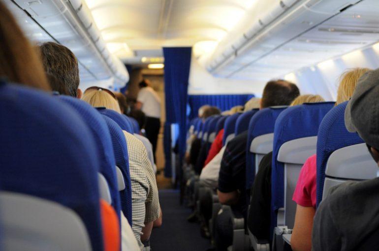 Uçakta fazla yolcu var ne yapmalı?
