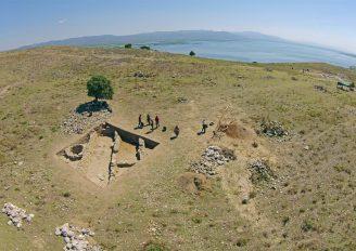 (Turkish) Manisa'da 3 bin 500 yıllık çok sayıda tahıl ambarı bulundu