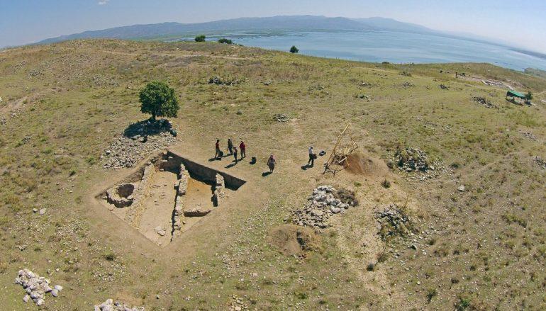 Manisa'da 3 bin 500 yıllık çok sayıda tahıl ambarı bulundu