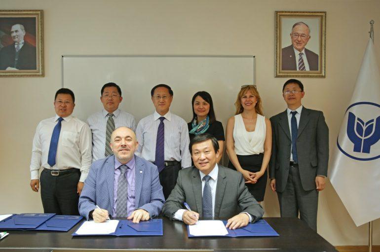 Çin ile İzmir'i buluşturan öğrenci programı