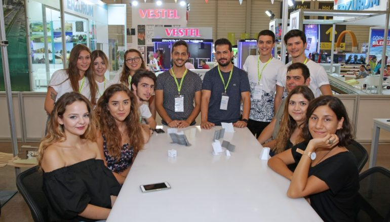 (Turkish) İzmir Fuarı'nda 3 Boyutlu Yüz Tarama