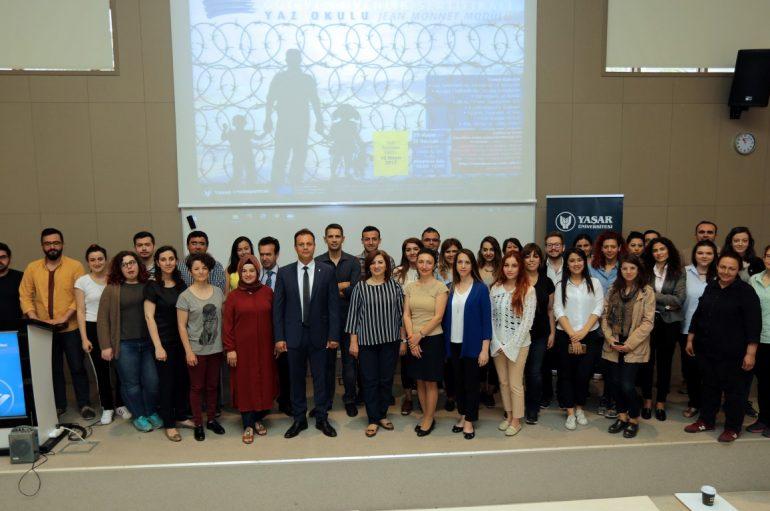 Yaşar Üniversitesinde göç yaz okulu düzenlendi