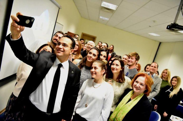 Başkan Atila iletişimci öğrencilerle