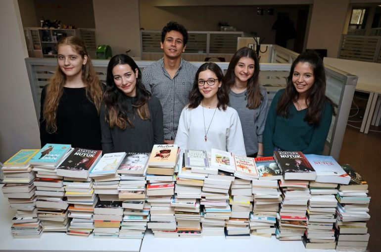 (Turkish) Kitap kardeşliği