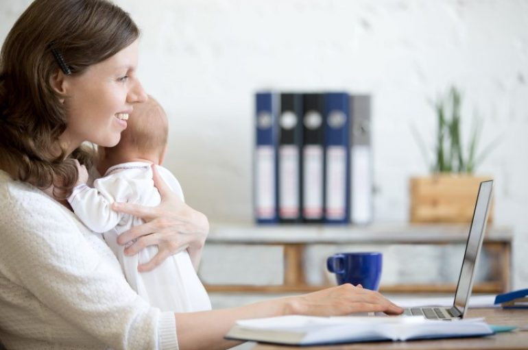 Çalışan anne mutluysa çocuk da mutlu