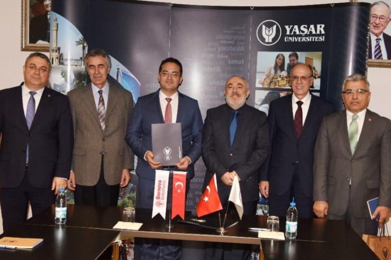 Yaşar Üniversitesi'nden Bornova zabıtasına kişisel gelişim semineri