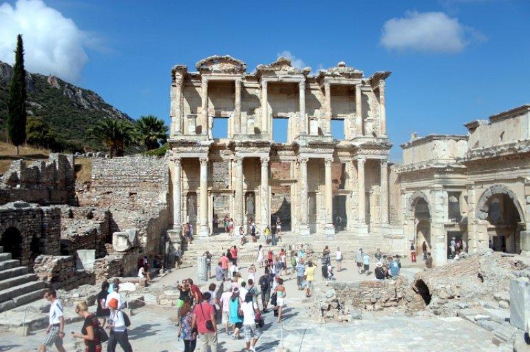 (Turkish) Turizmin yeni gözdesi İranlılar