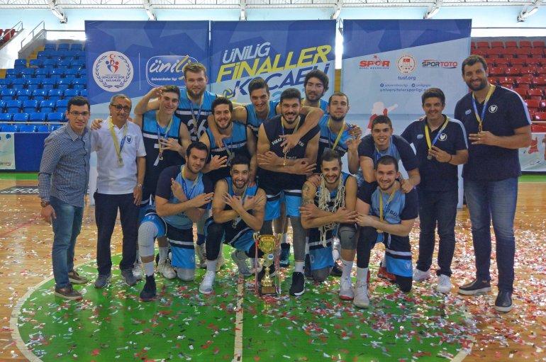 (Turkish) ÜNİLİG'de gurur veren şampiyonluk